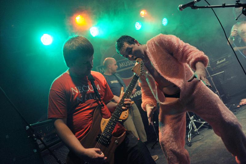 06-2010-koncert-metro-by-obrjen-31
